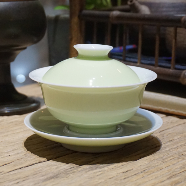Tender Green Porcelain Gaiwan